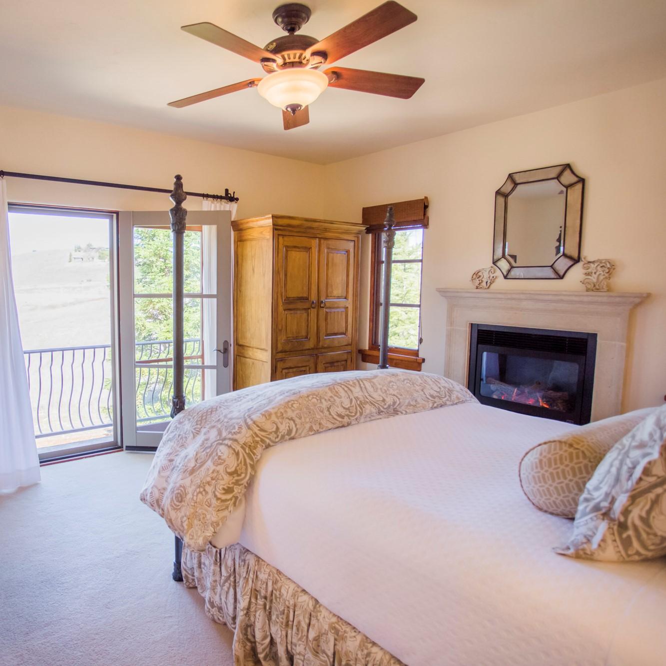 Castellina Room Canyon Villa